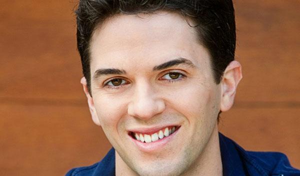 Jeffrey Scott Parsons (Phil Davis)