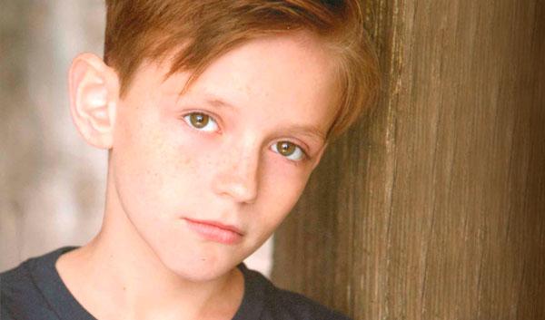 Travis Burnett (Michael Hobbs)